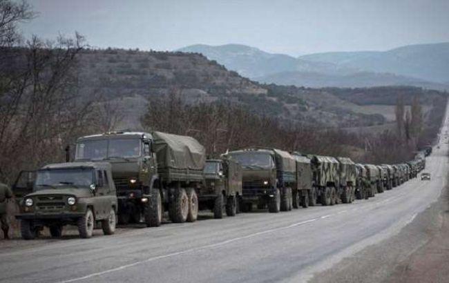 Разведка: на Донбасс из РФ прибыло 4 вагона с боеприпасами и 3 фуры с пушками