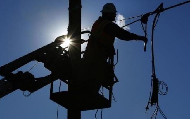 Минэнерго Украины прогнозирует восстановление электроснабжения Луганской области до конца дня