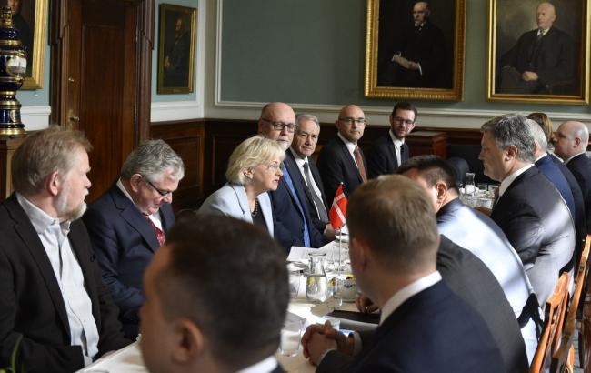 Фото: Петр Порошенко провел встречу со спикером Фолькетинга Дании