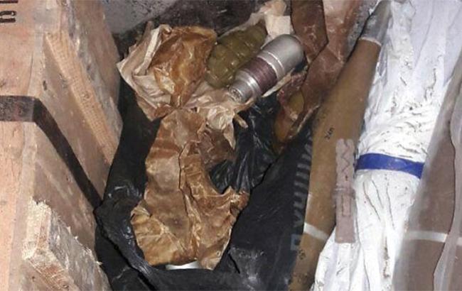 В Донецкой области обнаружили 10 гранатометов и почти три тысячи патронов