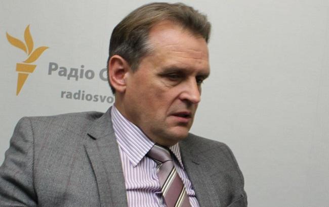 Нардеп від БПП заявляє про складення повноважень радника Яценюка