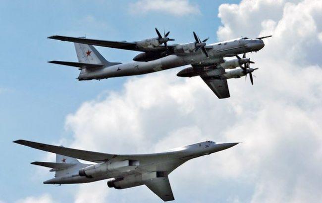 Фото: стратегические ракетоносцы Ту-160 и Ту-95