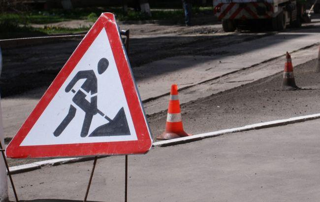 Фото: ограничение движения на Броварском проспекте