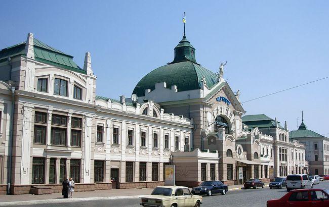 Фото: ж/д вокзал Чернівців
