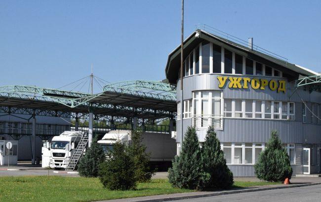 Словакия закрывает границу с Украиной