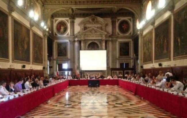 В ПАСЕ призвали власти Украины выполнить рекомендации Венецианской комиссии по закону о люстрации