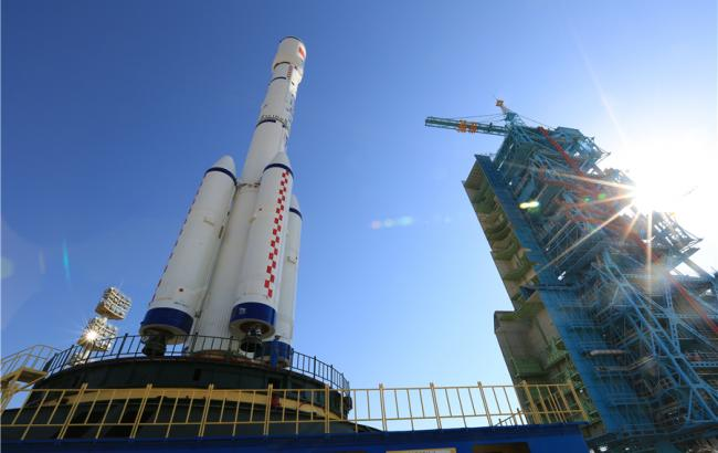 """Фото: ракета-носитель с лабораторией """"Тяньгун-2"""""""
