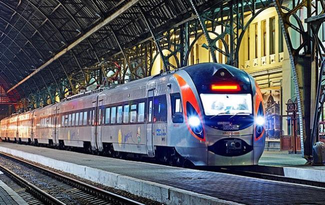 Фото: Сьогодні професійне свято - День залізничника (intercity.kiev.ua)