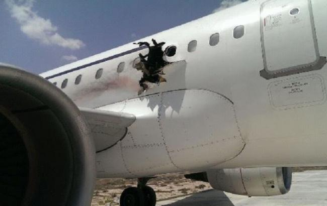 Фото: взрыв на борту самолета Airbus А321
