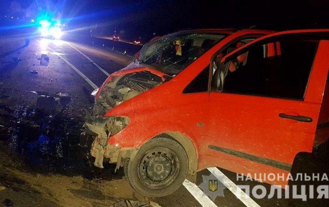 На Буковине столкнулись два микроавтобуса, 8 пострадавших