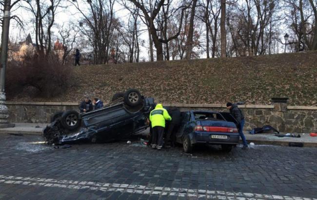 В центре Киева произошло масштабное ДТП, есть пострадавшие