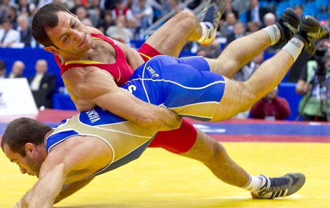 Фото: спортивна боротьба (twitter.com/izvestia_sport)