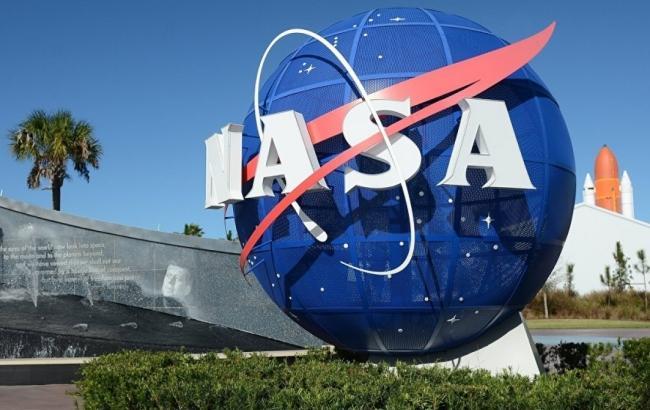 Историческое фото: зонд InSight сделал первое селфи на Марсе