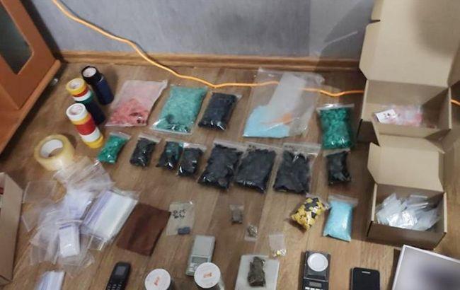 У двух девушек из Запорожской области изъяли наркотики на 7 млн гривен
