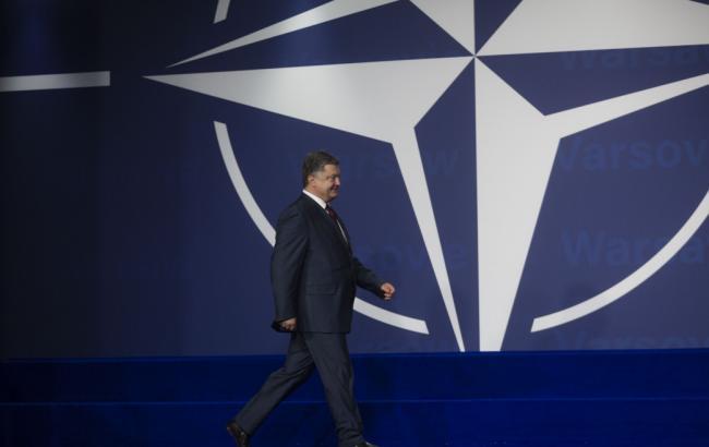 Фото: Петро Порошенко активізує роботу зі вступу в НАТО