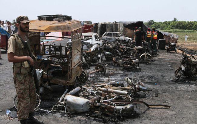 Число погибших трагедии вПакистане достигло 190 человек