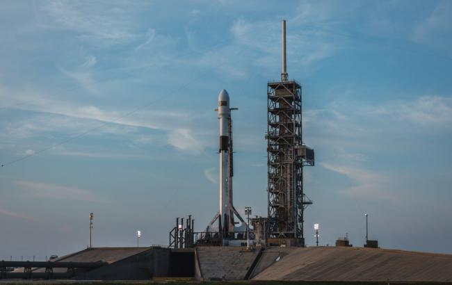 Ракета Falcon 9 успешно вывела на орбиту спутник связи