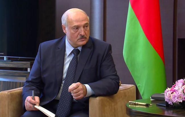 """Лукашенко лишил званий более 80 силовиков за """"нагнетание протестных настроений"""""""