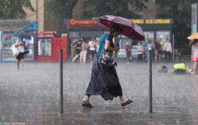 На запад Украины возвращаются ливни и грозы: прогноз погоды на сегодня