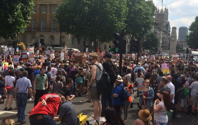 Фото: протест в Лондоне (twitter.com/TownsendMark)