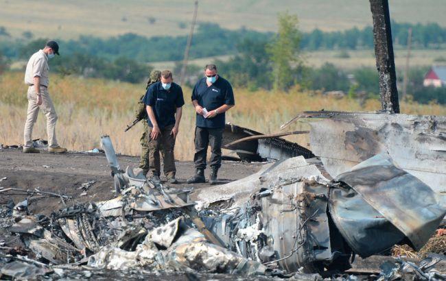 Фото: крушение МН17 на Донбассе