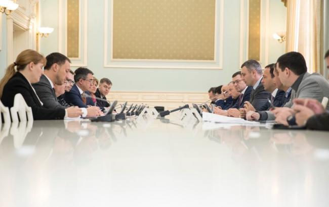 Кличко ведет переговоры об инвестициях, чтобы полностью заменить теплосеть и снизить тарифы для киевлян