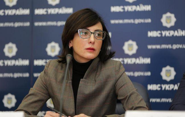 Фото: Деканоїдзе представила в. о. начальника Миколаївської обласної поліції