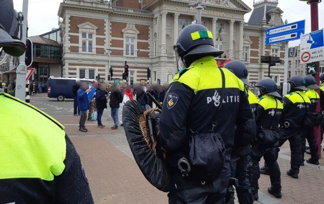 В Амстердамі на акції проти карантинних обмежень затримали понад 150 людей