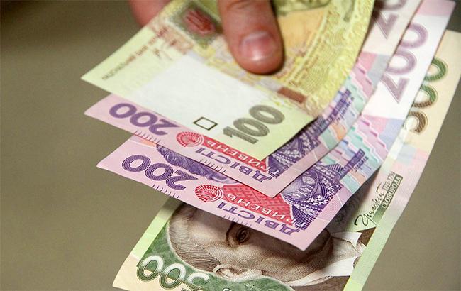 Доллар вобменниках вчетверг упал до26,87 грн