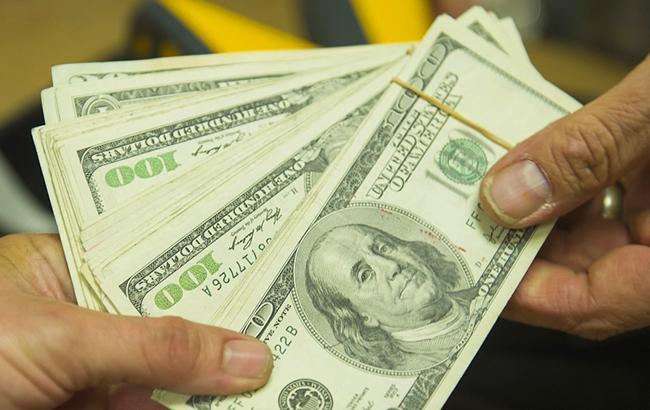 Курс доллара на межбанке 28 октября понизился до 25,49
