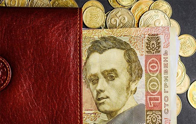 НБУ увеличил курс доллара на17 коп
