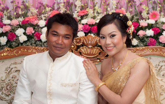 Тайська пара встановила рекорд найдовшого поцілунку у світі – понад 58 годин (відео)