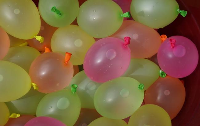 Фото: Кульки наповнили водою (pixabay.com/ru/users/Efraimstochter)