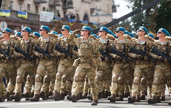 """""""Колір пролитої крові"""": українські десантники не носитимуть блакитні берети"""