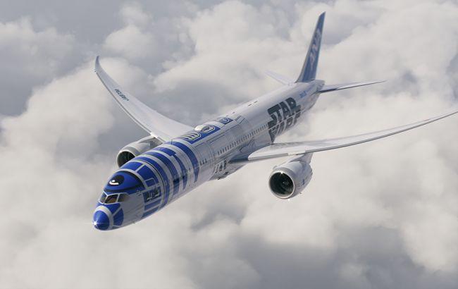 """Японская авиакомпания раскрасила лайнер в цвета робота из """"Звездных войн"""""""