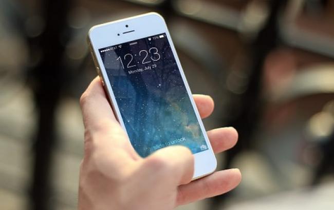 У мережі з'явилася інформація про те, як зламати iPhone за допомогою Siri