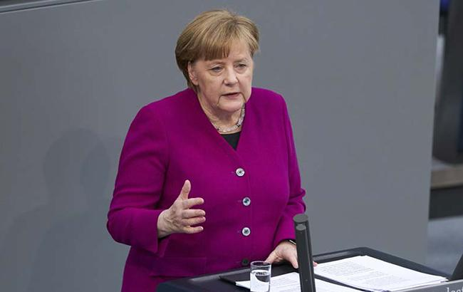 """""""Північний потік-2"""" неможливий без ясності щодо транзитної ролі України, - Меркель"""