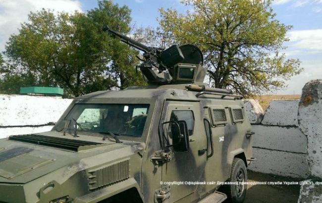 Фото: боевики обстреляли броневик пограничников в зоне АТО