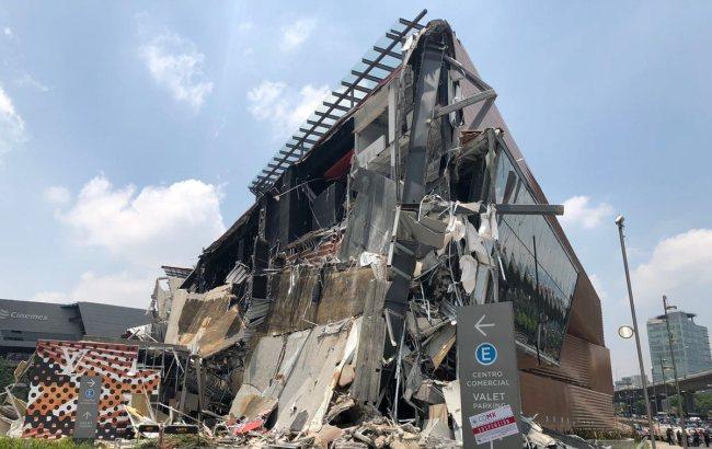В Мексике обрушилось здание торгового центра