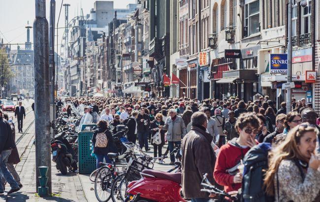 Миллионы людей продолжают терять работу. Стали известны масштабы потерь туризма от пандемии в 2021 году