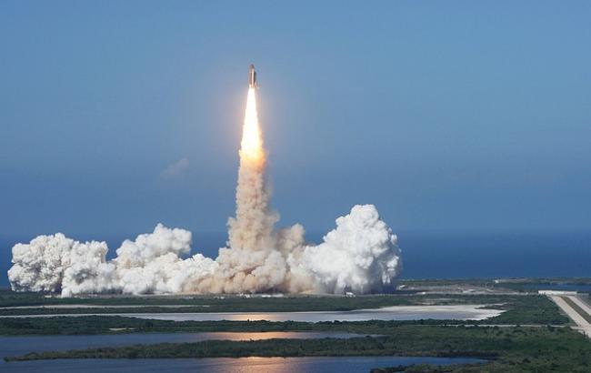 Ілон Маск успішно запустив ракетоносій із супутником зв'язку