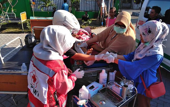 Число жертв землетрусу в Індонезії перевищило 90