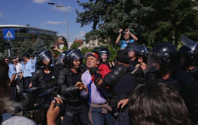 Фото: протести в Бухаресті (twitter.com/BabkenArm)