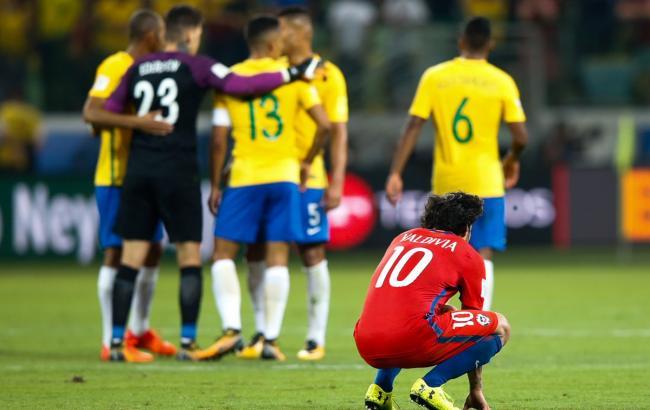 Фото: сборная Чили после поражения от Бразилии (twitter.com/FIFAWorldCup)
