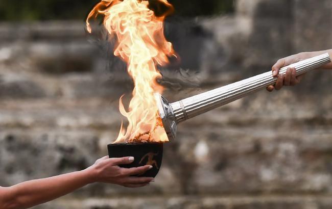 Фото: олімпійський вогонь (twitter.com/Olympics)