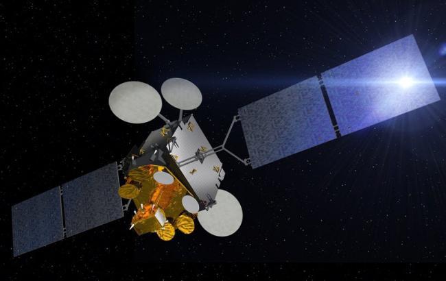 Россия пыталась шпионить за военным спутником Франции в открытом космосе, - Минобороны