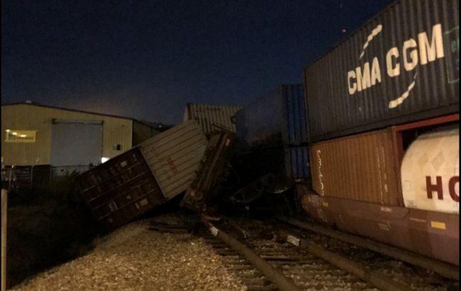При сходе срельсов товарный состав вТеннесси сломал два здания