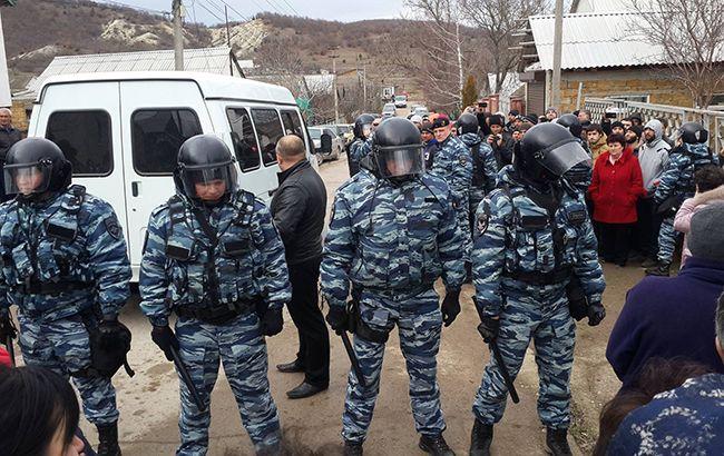 В окупованому Криму пройшли обшуки у кримських татар, є затримані
