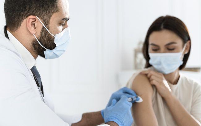 У Британії обидві дози COVID-вакцини отримали понад 10 млн осіб