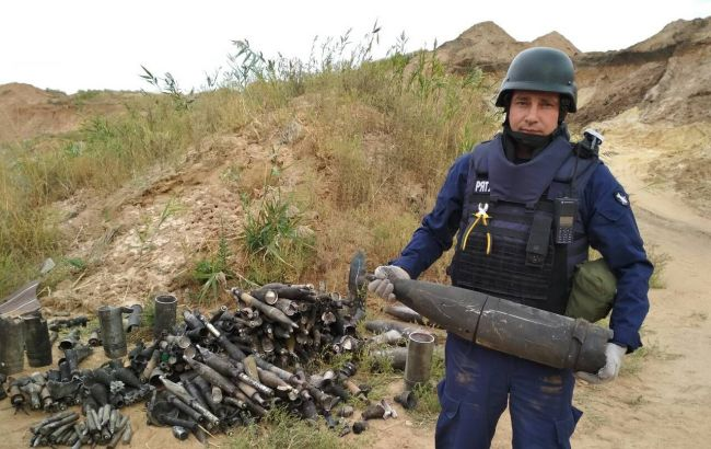 ДСНС вилучила 150 вибухонебезпечних предметів після вибухів на складі в Донецькій області